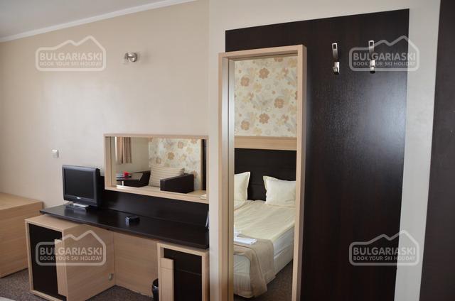 Отель Олимп12