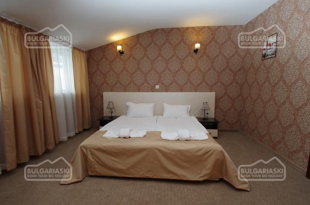 Отель Роял14